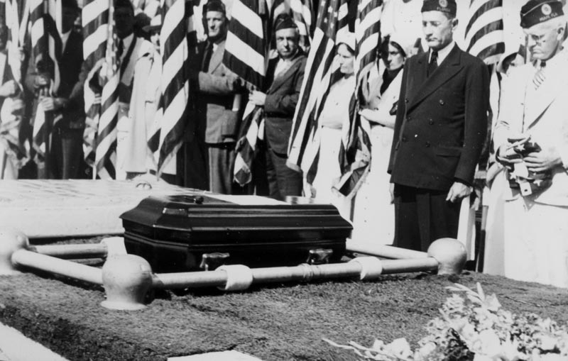 Coffin containing remains <br/>of Herman Saulter